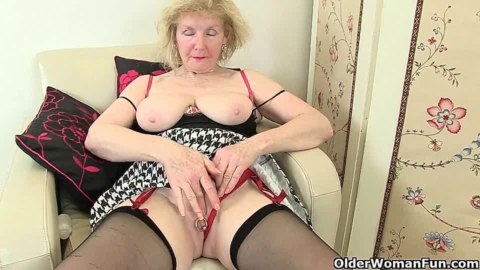 Alte weiber in nylons